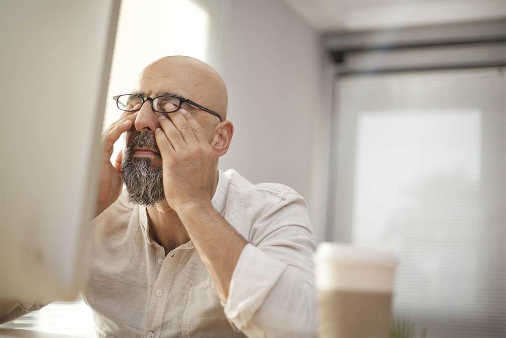 עיניים יבשות סימפטומים